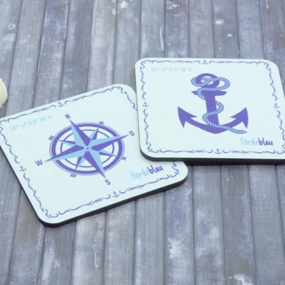 Glasuntersetzer maritim bedruckt mit Anker, Kompass und Koordinaten, 2er Set mit Kork-Unterseite