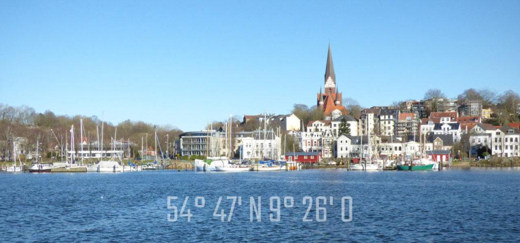 Flensburger Hafen mit Positionsangabe