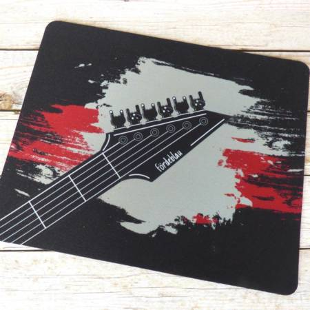 Heavy Metal Mousepad mit Gitarrenmotiv im Grunge-Design