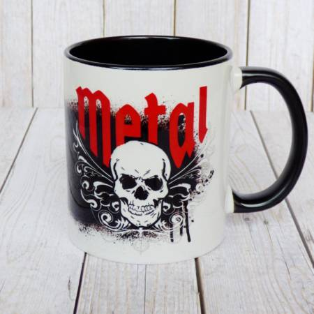 Totenkopf Tasse im Heavy Metal Design aus Keramik