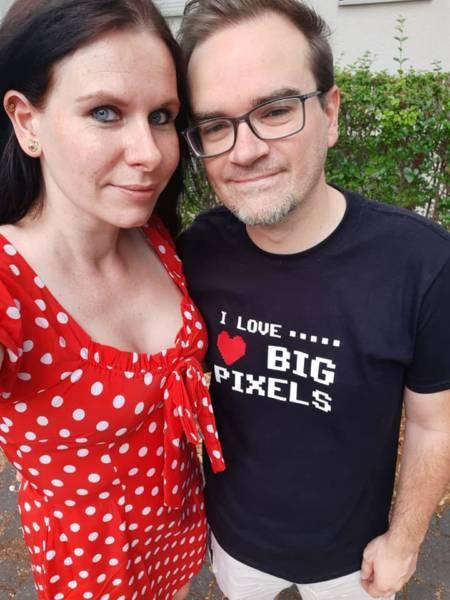 I love Big Pixels - T-Shirt