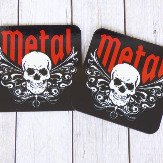 2er Set Metal und Rock Untersetzer für Gläser, mit Totenkopf Motiv und Tribals
