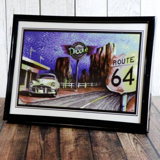 """Deko-Bild im Rahmen zum Stellen oder Hängen, 18x13cm, mit Commodore 64 Pixel-Artwork """"Route64"""""""