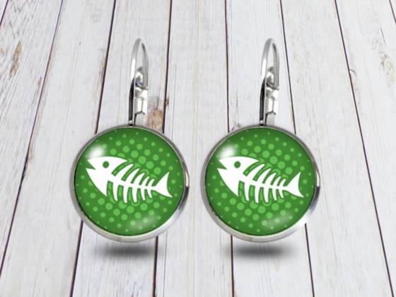 Maritime Ohrringe hängend mit Fischgräte grün