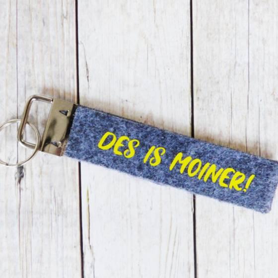 Lustiger Schlüsselanhänger mit 'Des is Moiner' im Pfälzer Dialekt, beidseitig bedruckt aus 2-lagigem Filz
