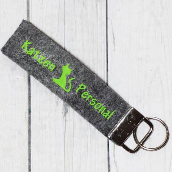 Lustiger Schlüsselanhänger aus Filz – mit 'Katzen Personal' Schrift bedruckt | ca. 110x25mm Länge mit Schlüsselring